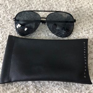 Quay Black Aviators